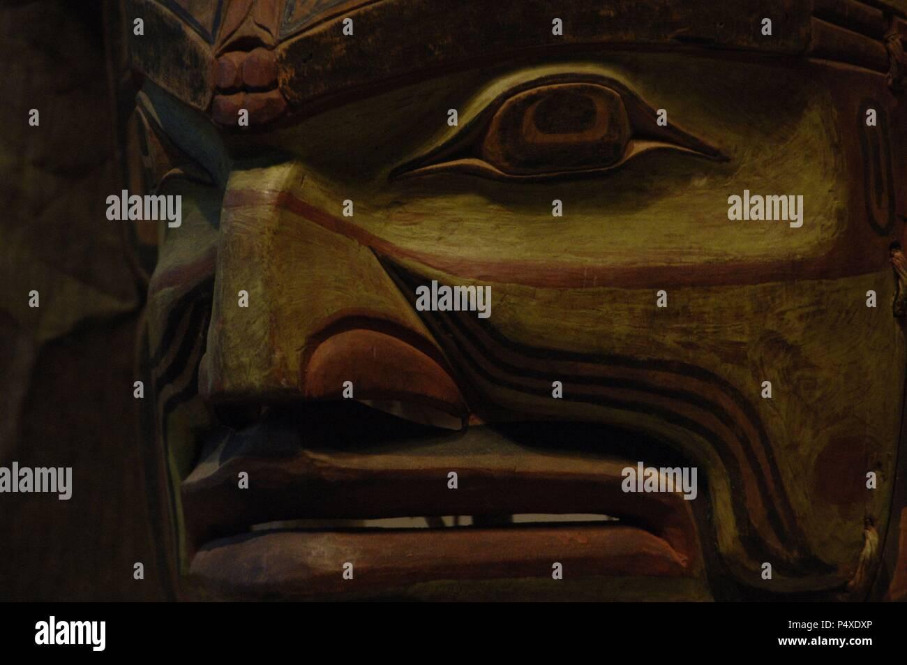 ARTE etnico. CULTURA KWAKWAKA'WAKW. SIGLO XX MUNGO MARTIN (1881-1962). Detalle de MASCARA (hacia 1900) en madera. Canadá. Museo de Arte de Denver. El estado de Colorado. Estados Unidos. Imagen De Stock