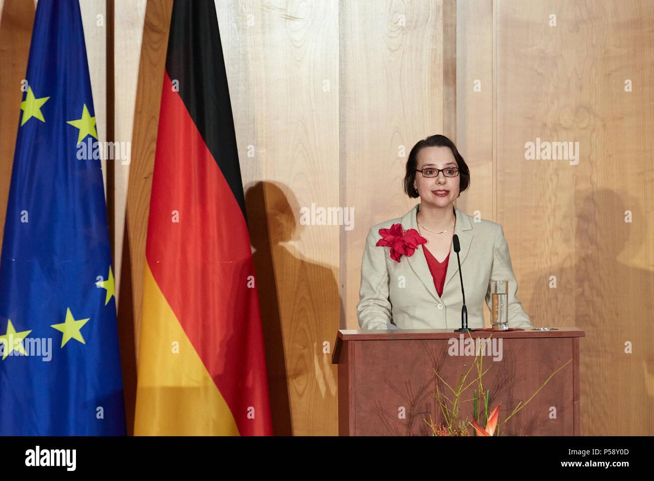 Berlín, Alemania - El canciller saliente Sigmar Gabriel tiene su discurso de despedida en el cambio ministerial en el Salón Mundial de la Cancillería. Imagen De Stock
