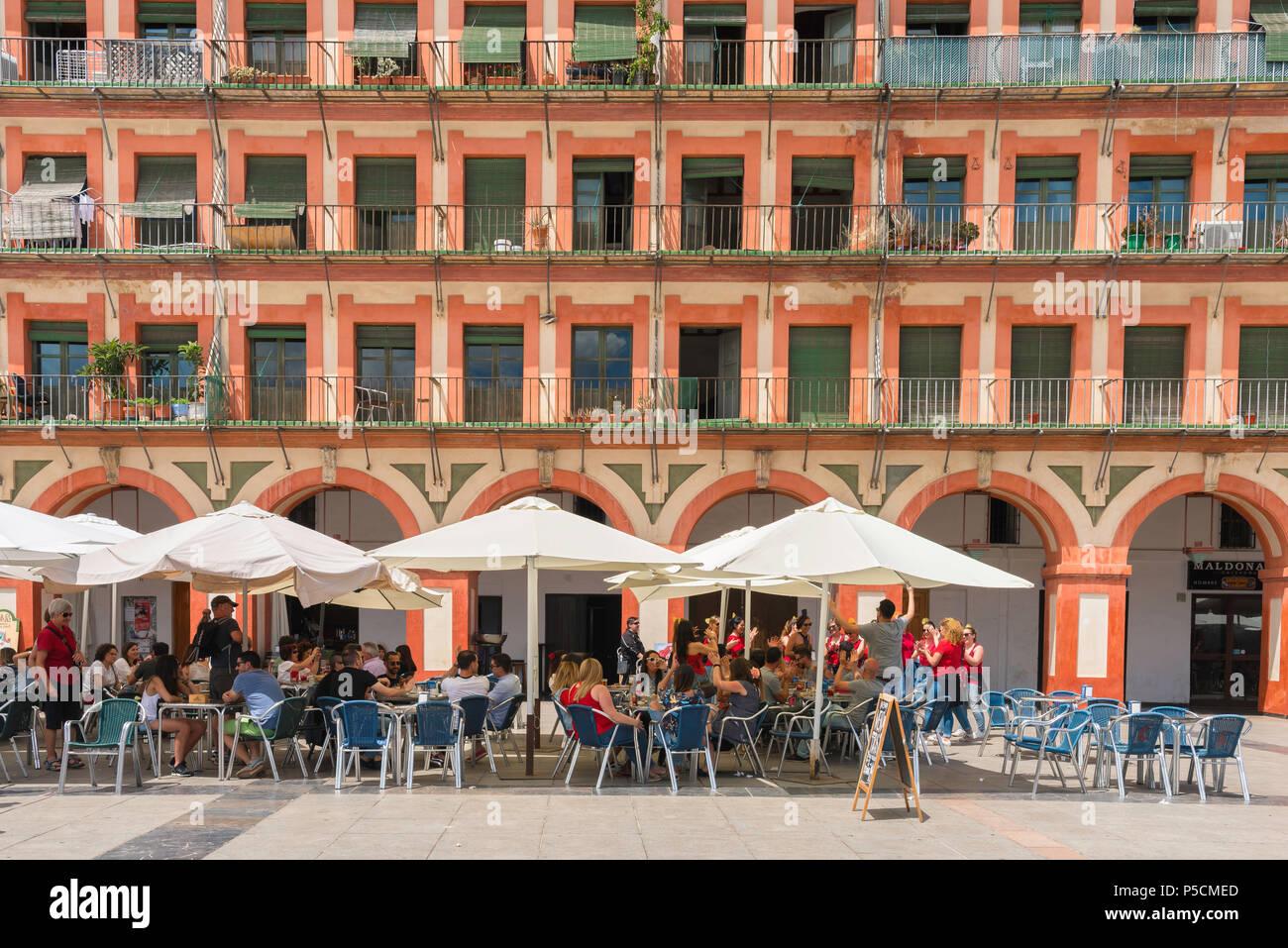 Córdoba España Vista De Una Terraza De Un Café En El Siglo