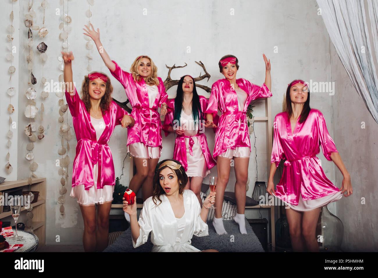 Bridal Party Imágenes De Stock & Bridal Party Fotos De Stock - Alamy