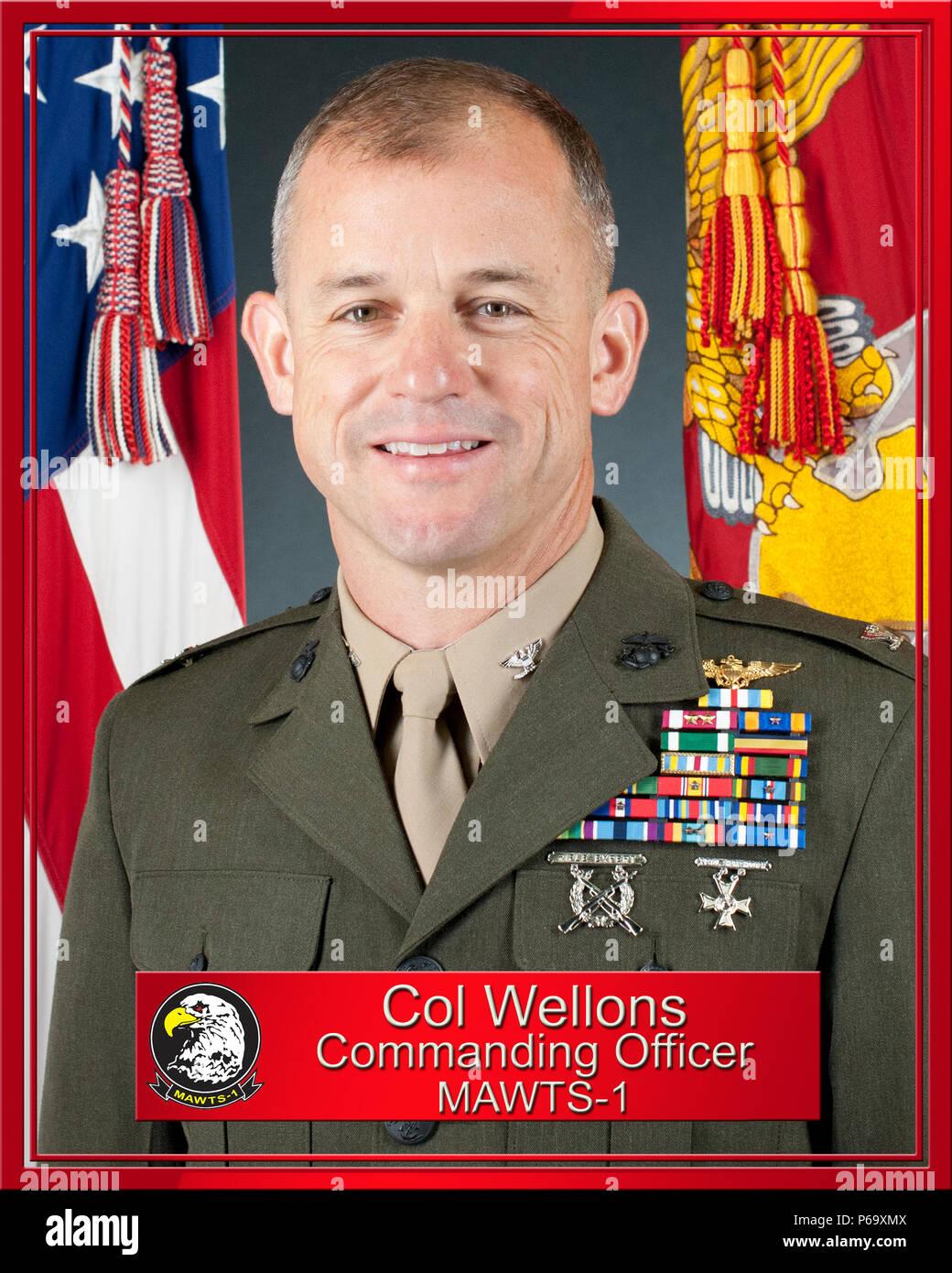 Cuerpo de Marines de EE.UU, el Coronel James B. Wellons es el actual Comandante de la Aviación Marina Escuadrón de armas y tácticas (MAWTS-1), a bordo del Marine Corps Air Station Yuma, Arizona, el 12 de mayo de 2016. (Ee.Uu. Marine Corps Foto por CPL. B. Vinculado AaronJames/liberado) Foto de stock