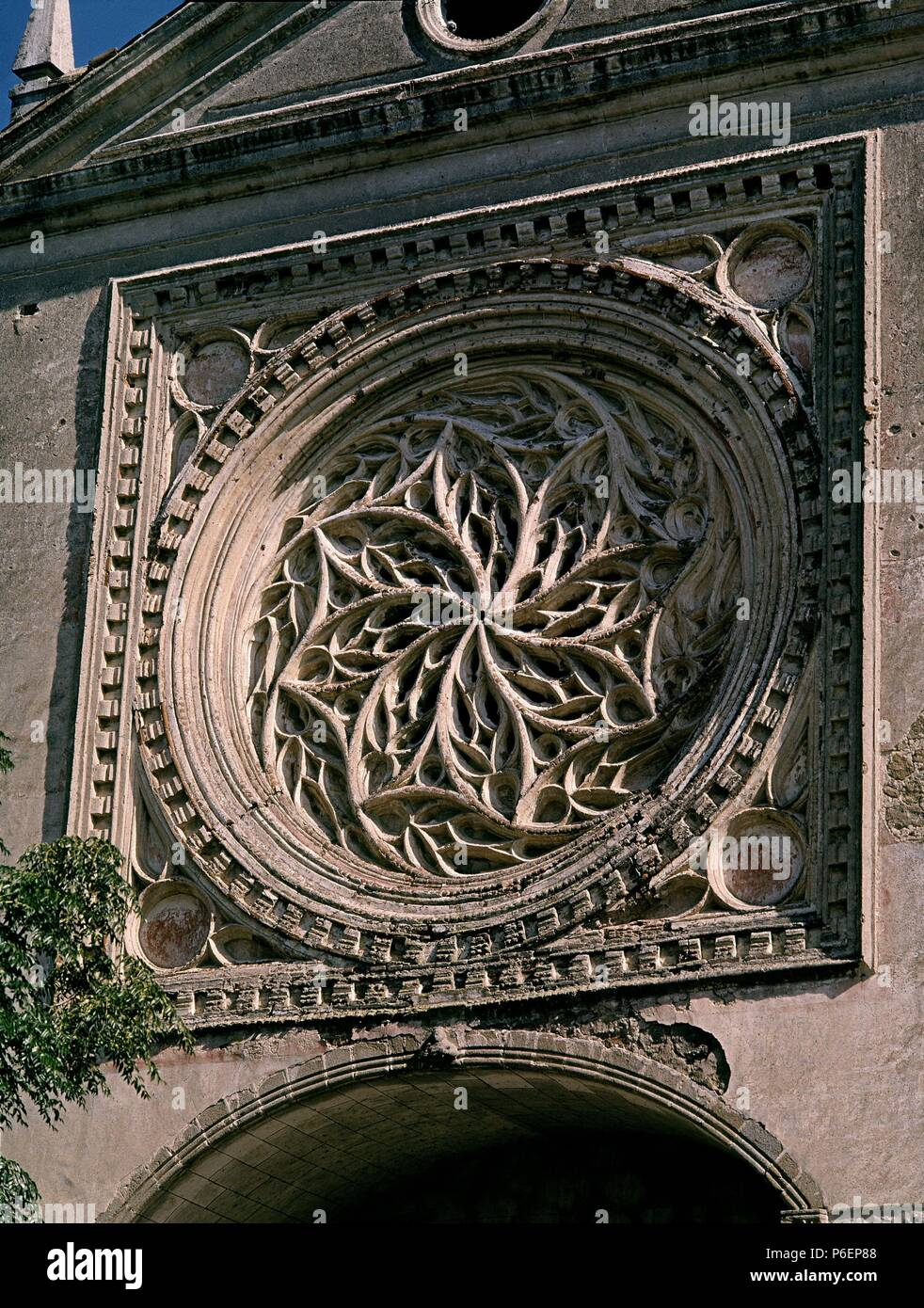 ROSETON DE LA FACHADA. Ubicación: Iglesia colegial DE SANTA MARÍA LA MAYOR, TOLEDO, España. Imagen De Stock