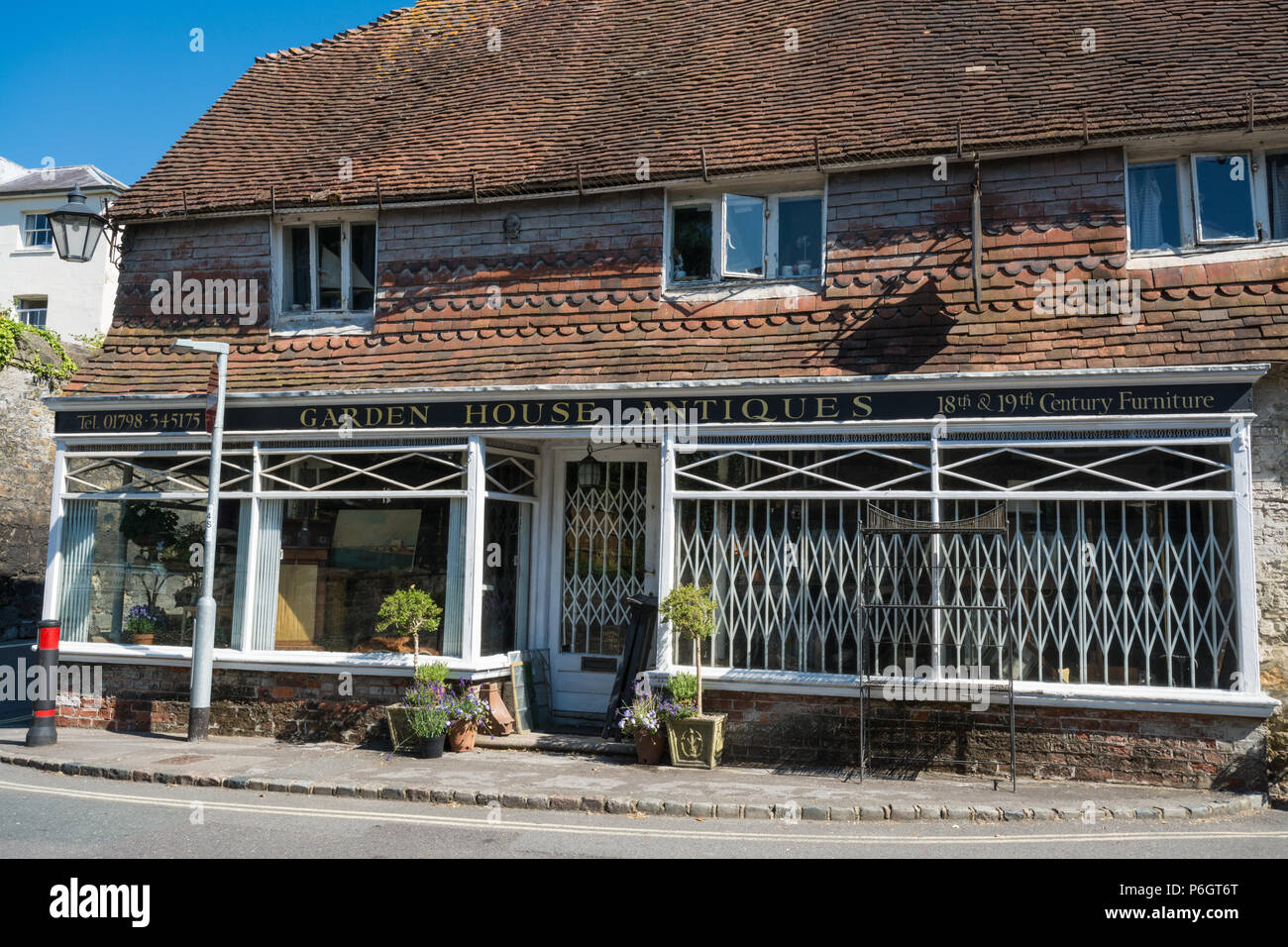 Shop Town West Sussex Imágenes De Stock & Shop Town West Sussex ...