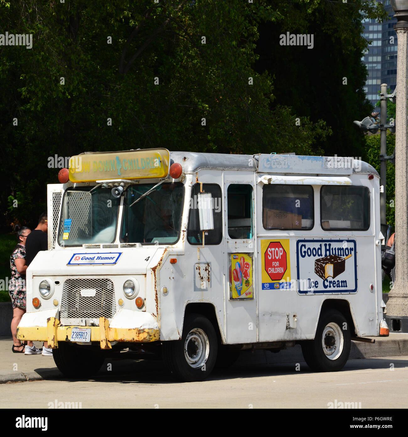 Un vintage Buen Humor camión de helados junto al Parque del Milenio de Chicago. Imagen De Stock
