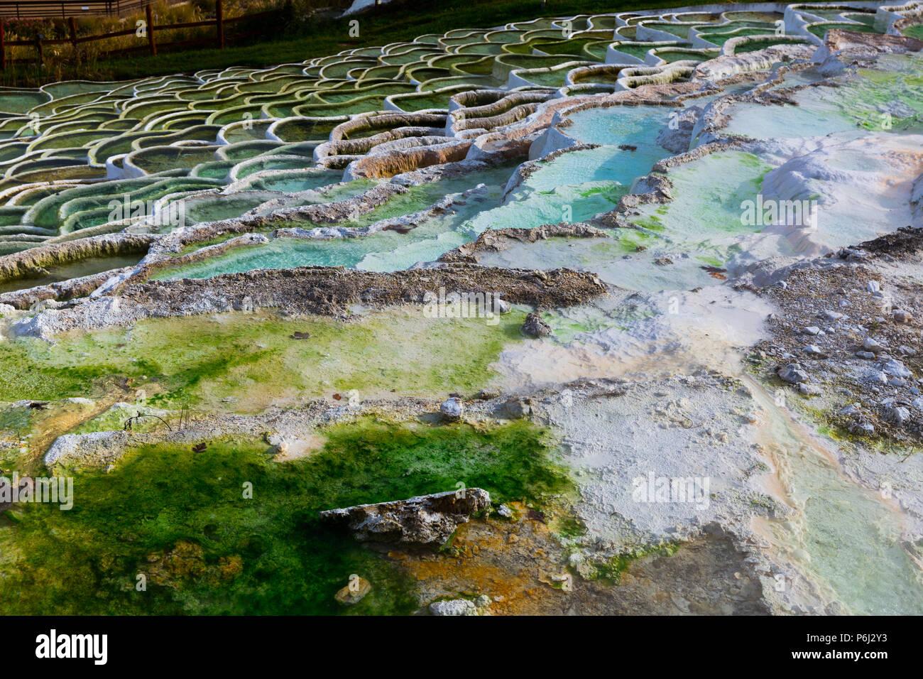 Terrazas Naturales Cuencas En Egerszalok Manantial Termal