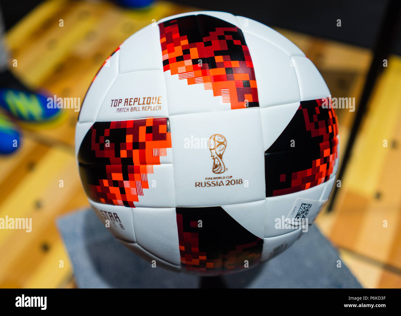 World Cup 2018 Adidas Telstar Football Imágenes De Stock   World Cup ... 460511d82bf03
