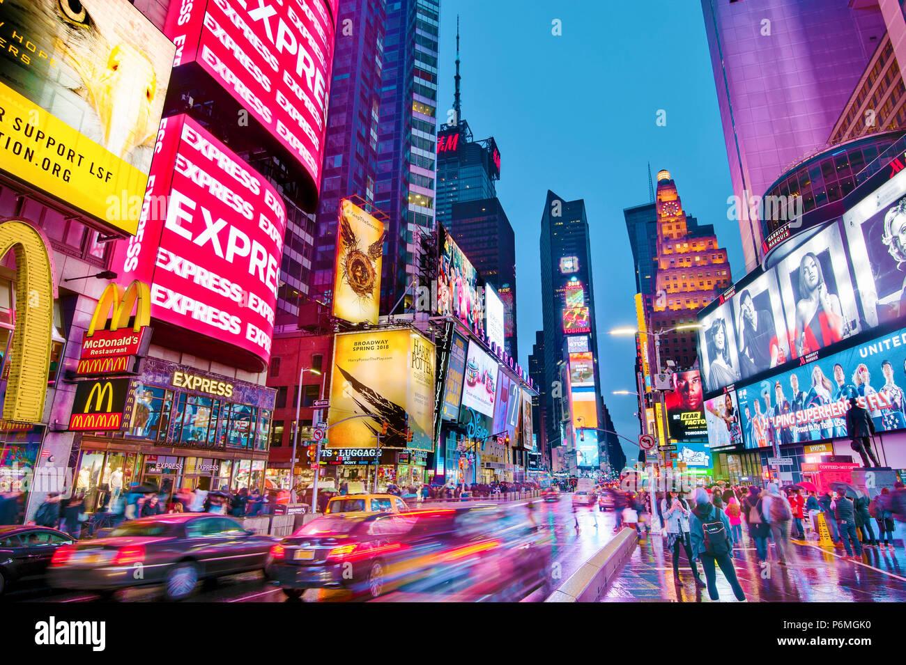 Las luces de Times Square de Nueva York Manhattan, Ciudad de Nueva York Imagen De Stock