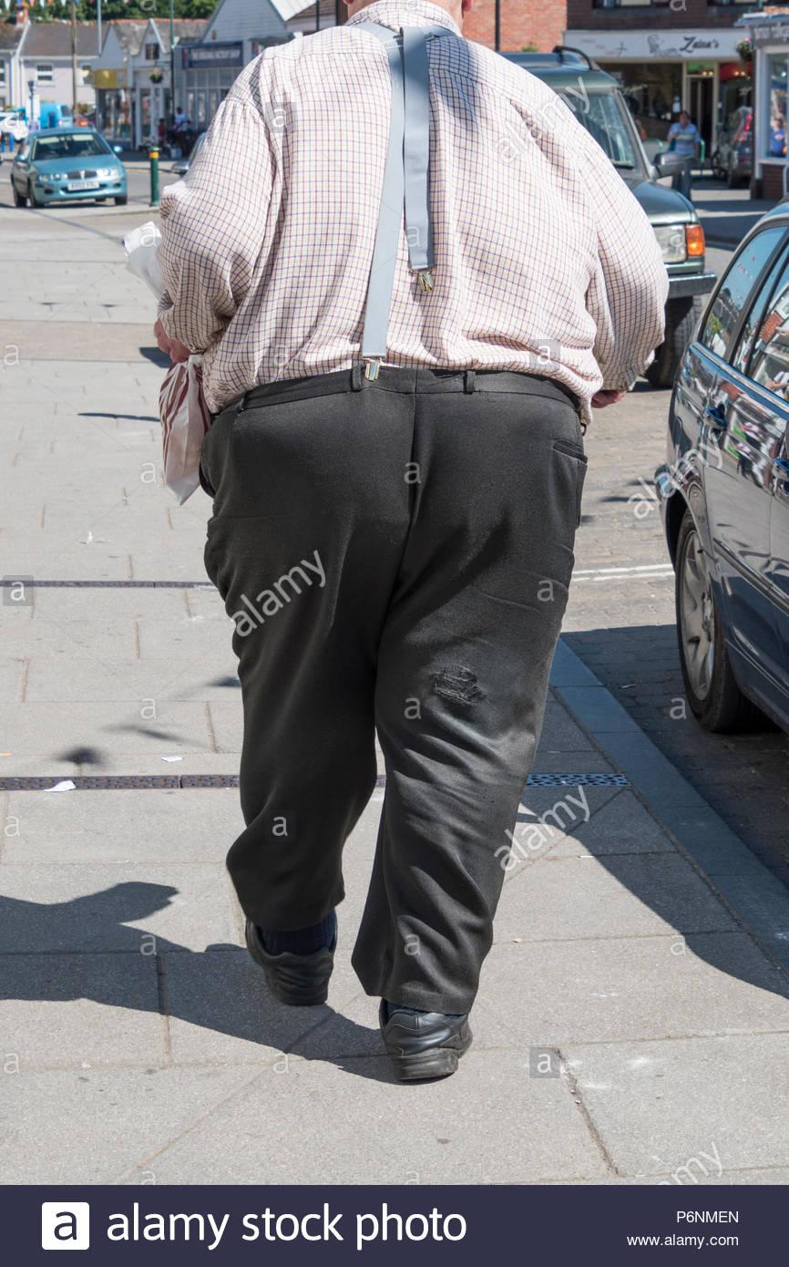 Overweight Man Walking Imágenes De Stock   Overweight Man Walking ... 9efc381c4707c