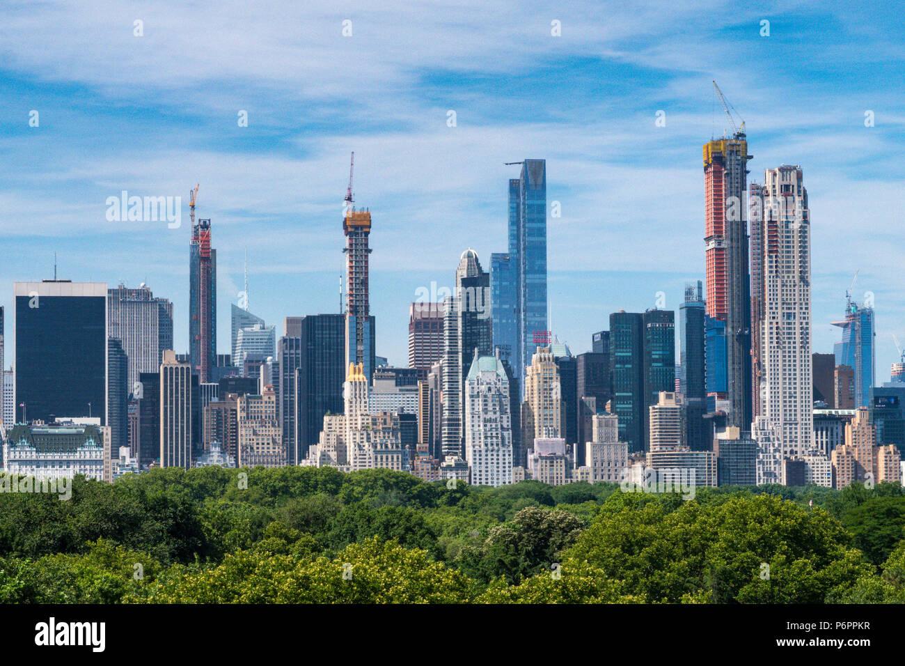La Ciudad de Nueva York con el Central Park en primer plano, en la ciudad de Nueva York, EE.UU. Imagen De Stock