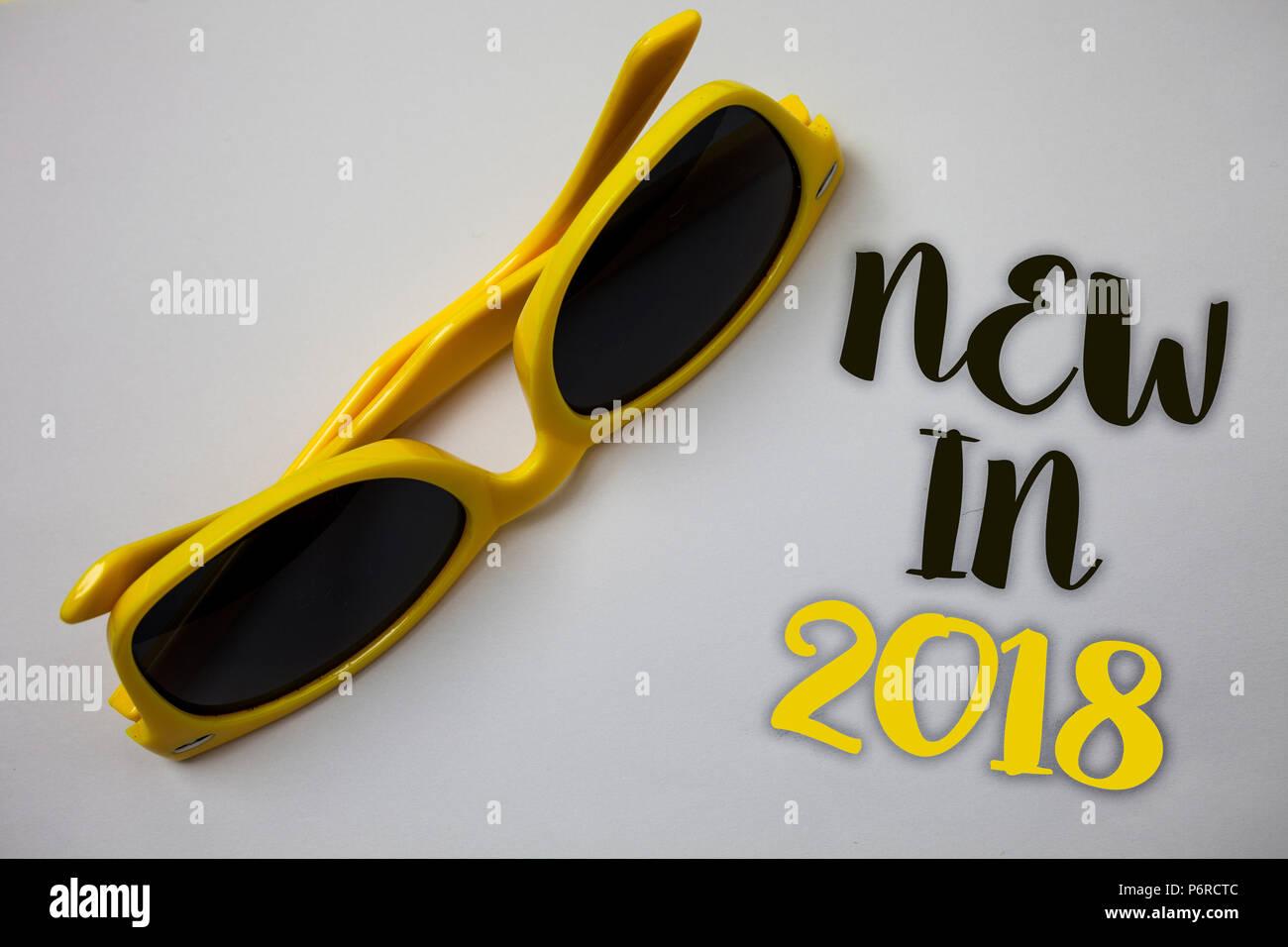 Nuevo Escribe Texto Word En Año El 2018Concepto Negocio Para De Un GqzVpMSU