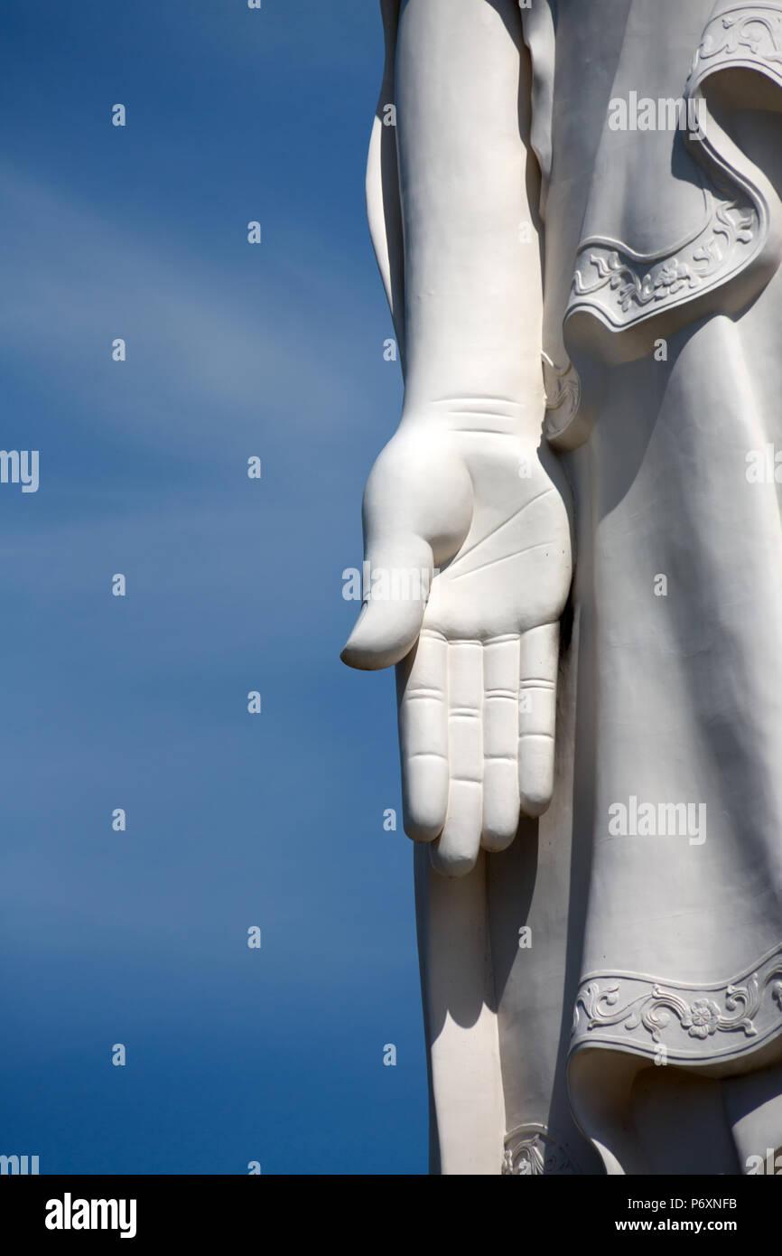 Mano de la estatua de Buda en el Templo pagoda Vinh Trang , mi ThoVietnam Imagen De Stock