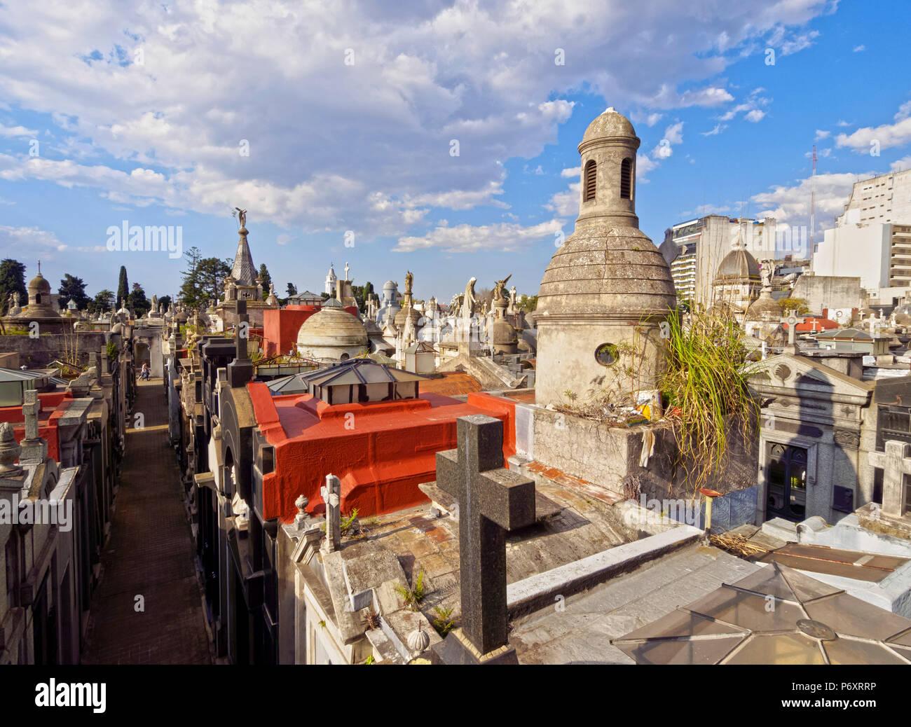 Argentina, Provincia de Buenos Aires, Ciudad de Buenos Aires, vista elevada de La Recoleta cementerio. Imagen De Stock