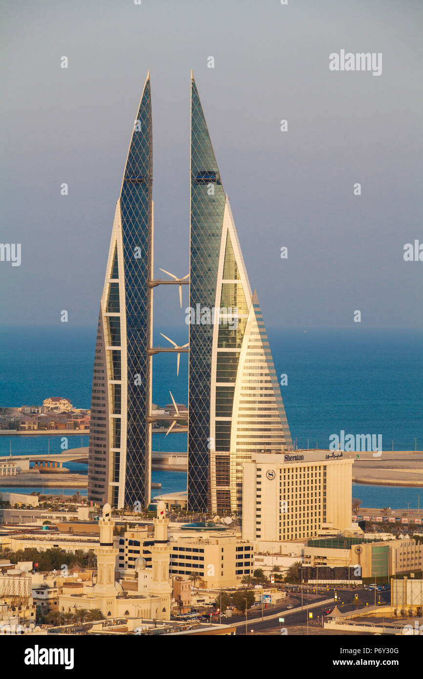 Bahrein, Manama, Vista de Bahrain World Trade Center Imagen De Stock