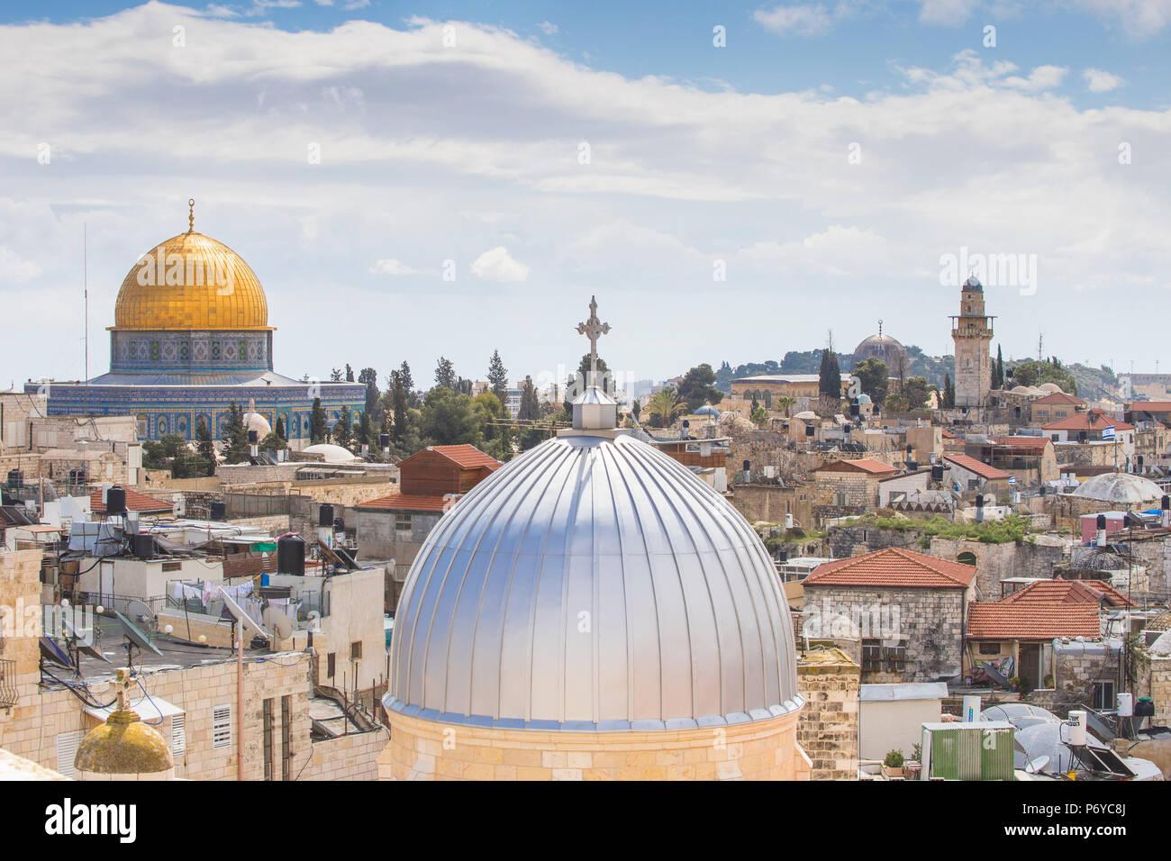 Israel, Jerusalén, vista de la cúpula de la roca y el casco antiguo de la ciudad Imagen De Stock