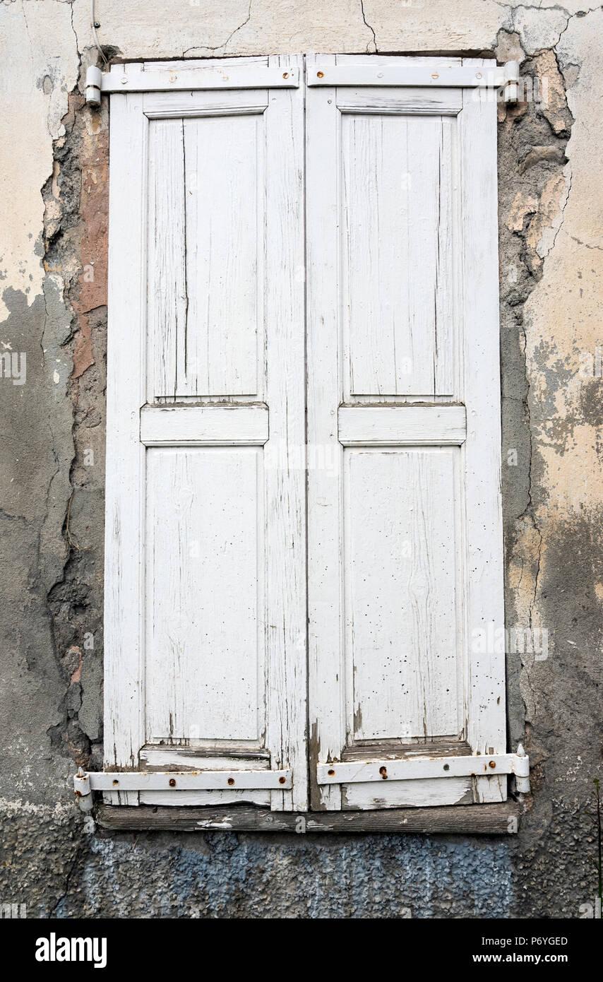 Capeado Muy Antiguas Puertas De Madera Pintadas De Blanco De La Casa