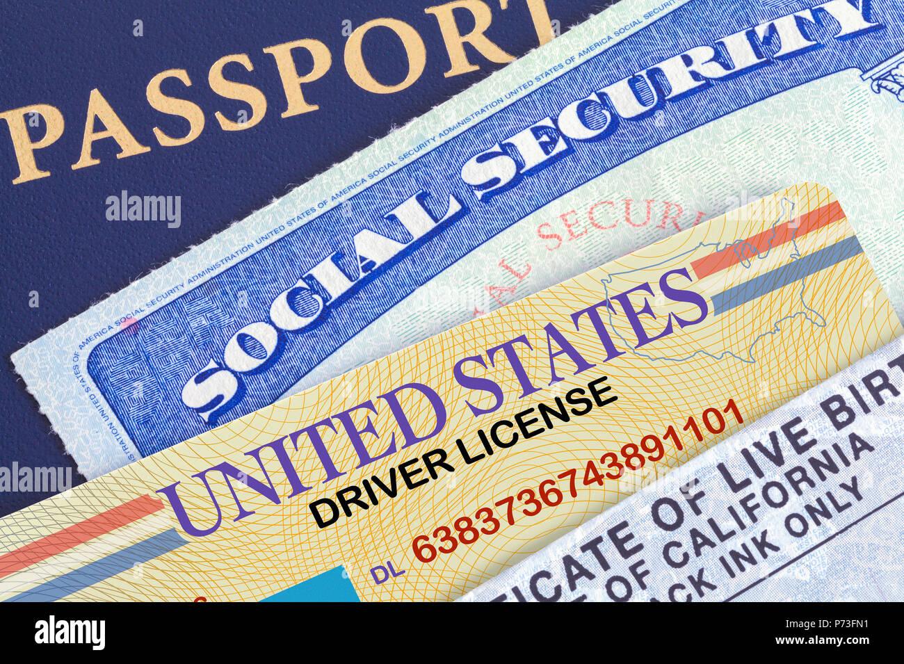 Ee.Uu. Pasaporte con la tarjeta de seguridad social, Licencia de Conducir y certificado de nacimiento. Imagen De Stock