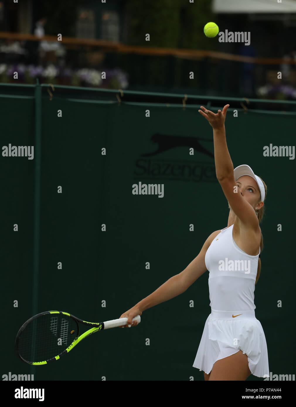 Londres, Reino Unido. 4 de julio, 2018. Katie Swan (GBR) el día 3 de los Campeonatos de Tenis de Wimbledon, Wimbledon, Londres, el 4 de julio de 2018. Crédito: Paul Marriott/Alamy Live News Foto de stock