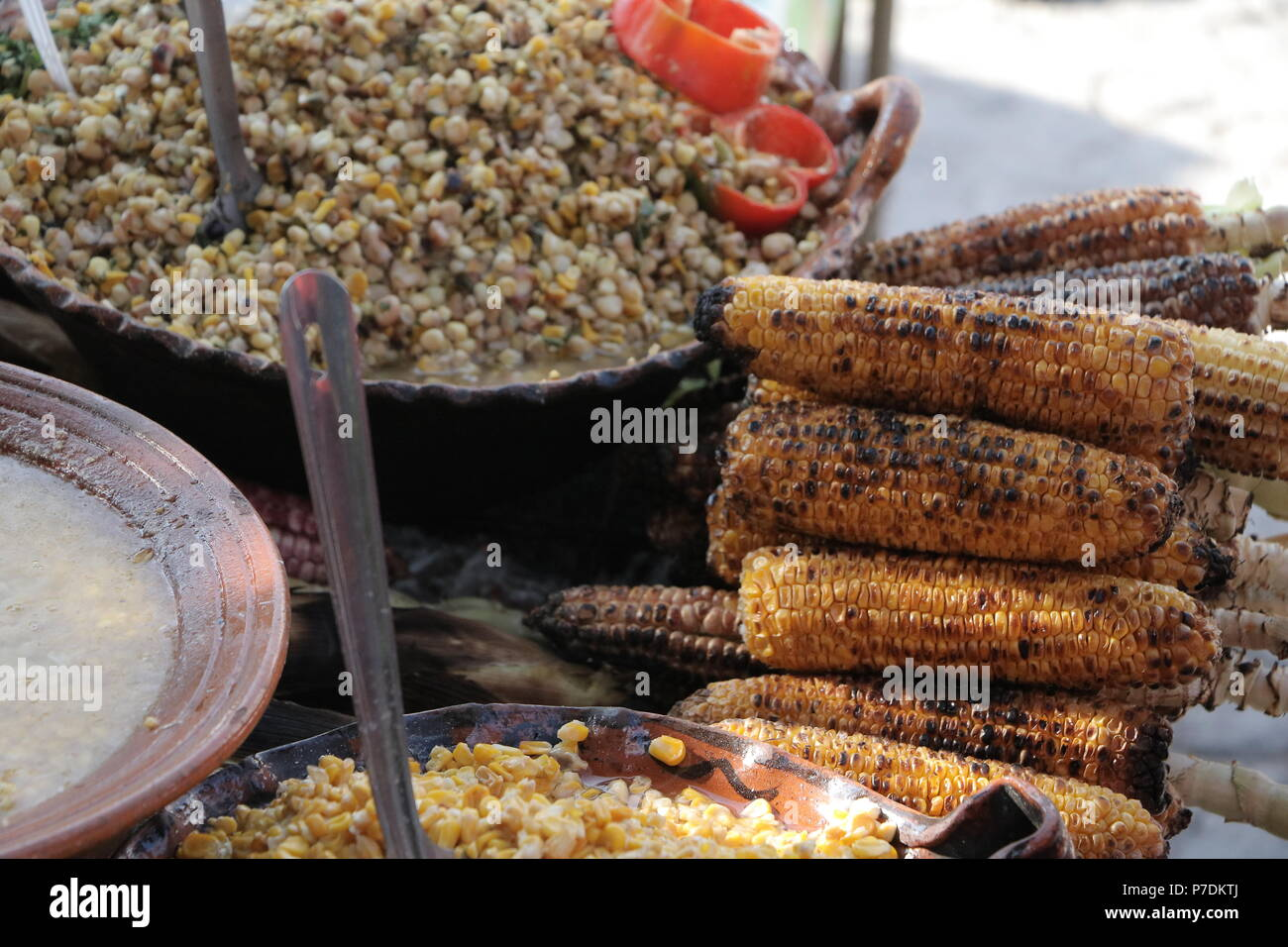 Elotes y esquites (comida mexicana) Imagen De Stock