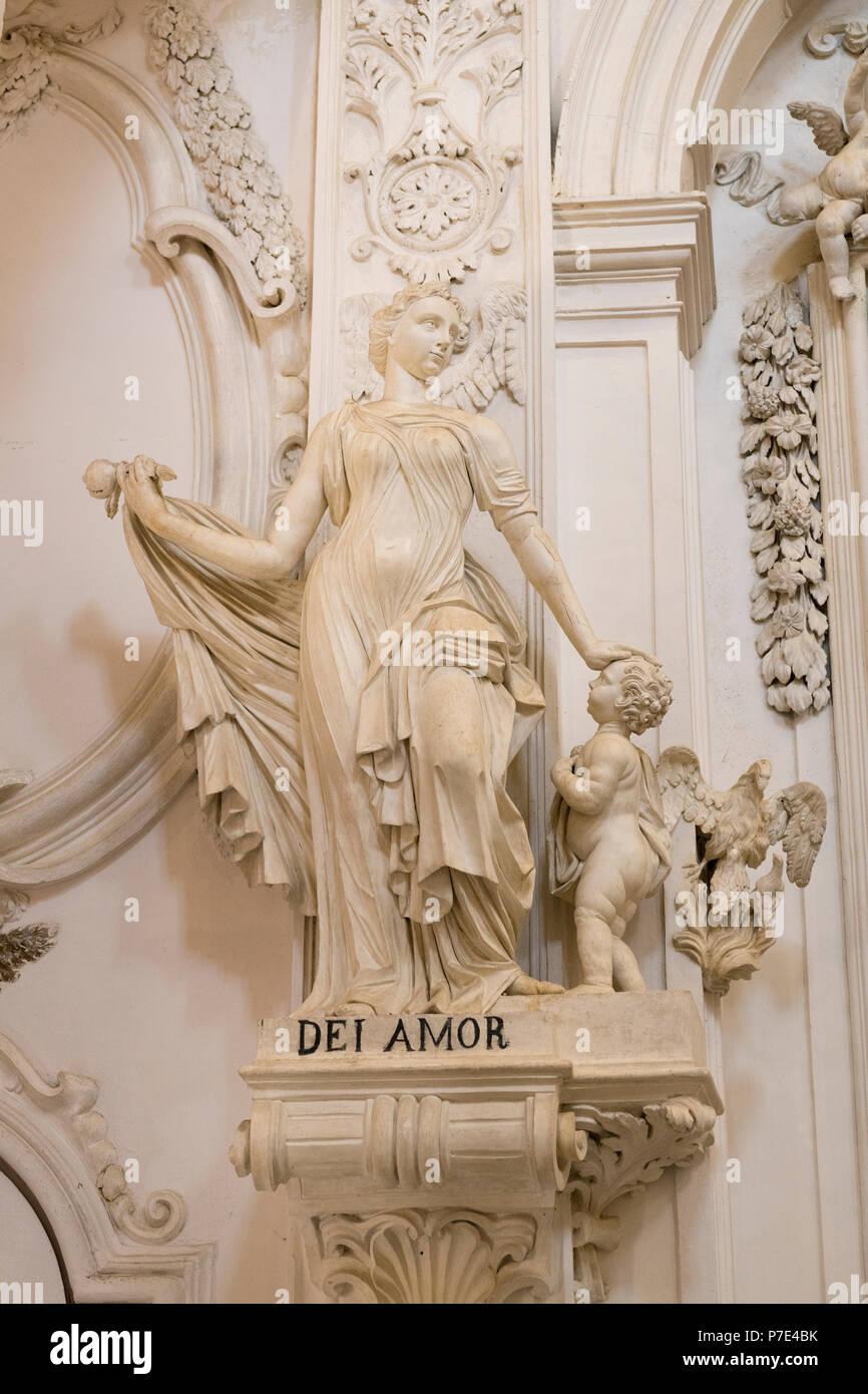 Italia Sicilia Agrigento Piazza Purgatorio Chiesa di San Lorenzo reconstruido 1600 estatuas famosas esculturas de virtudes cristianas Dei Amor por el amor de Dios Imagen De Stock