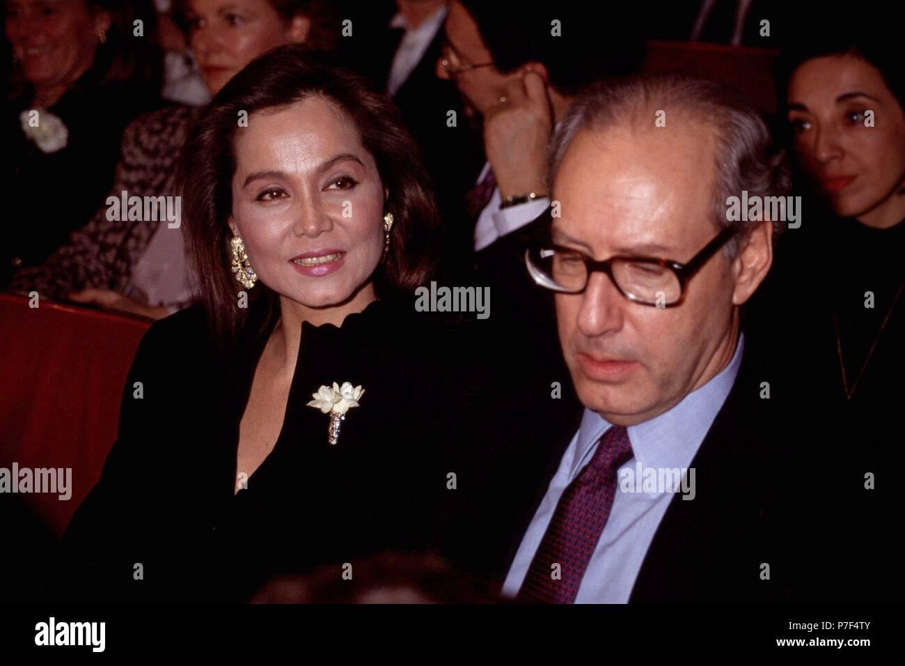 , ISABEL PREYSLER CON MIGUEL BOYER , tercer marido, año 1991. Imagen De Stock