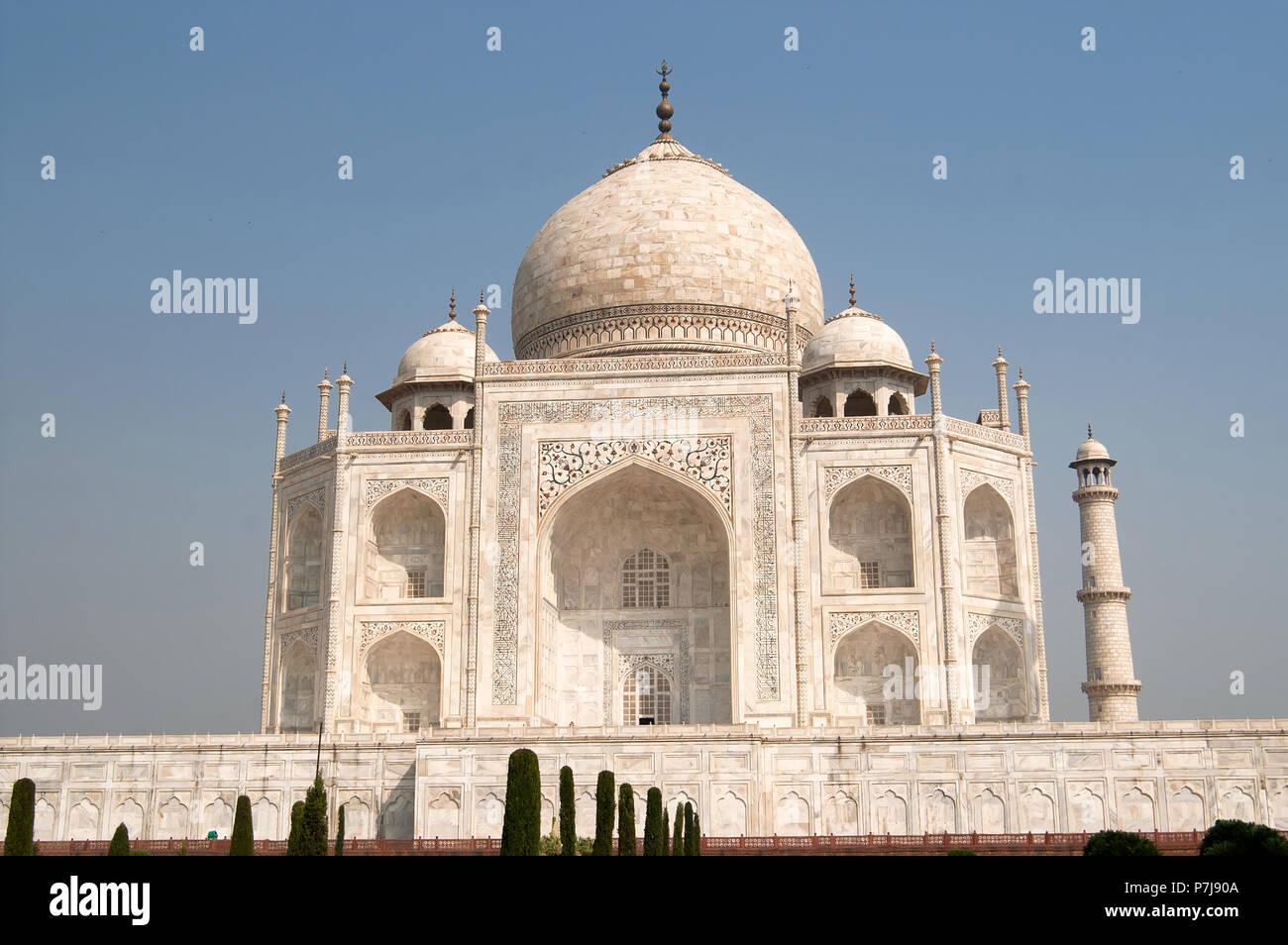De mármol blanco, el Taj Mahal en Agra, India Imagen De Stock
