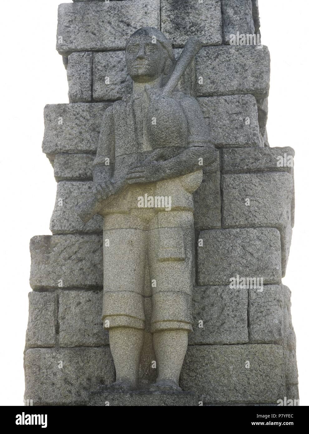 Monumento al Gaitero Gallego, 1965. Por el escultor español Antonio Failde. Detalle. Monte de Santa Cruz. Ribadeo. Provincia de Lugo. Galicia. España. Foto de stock