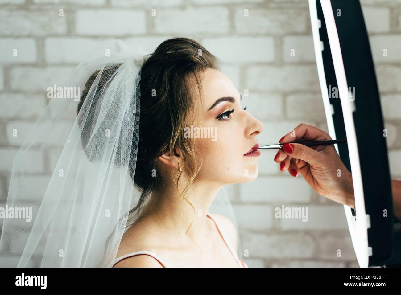 Peinado y maquillaje boda de dia