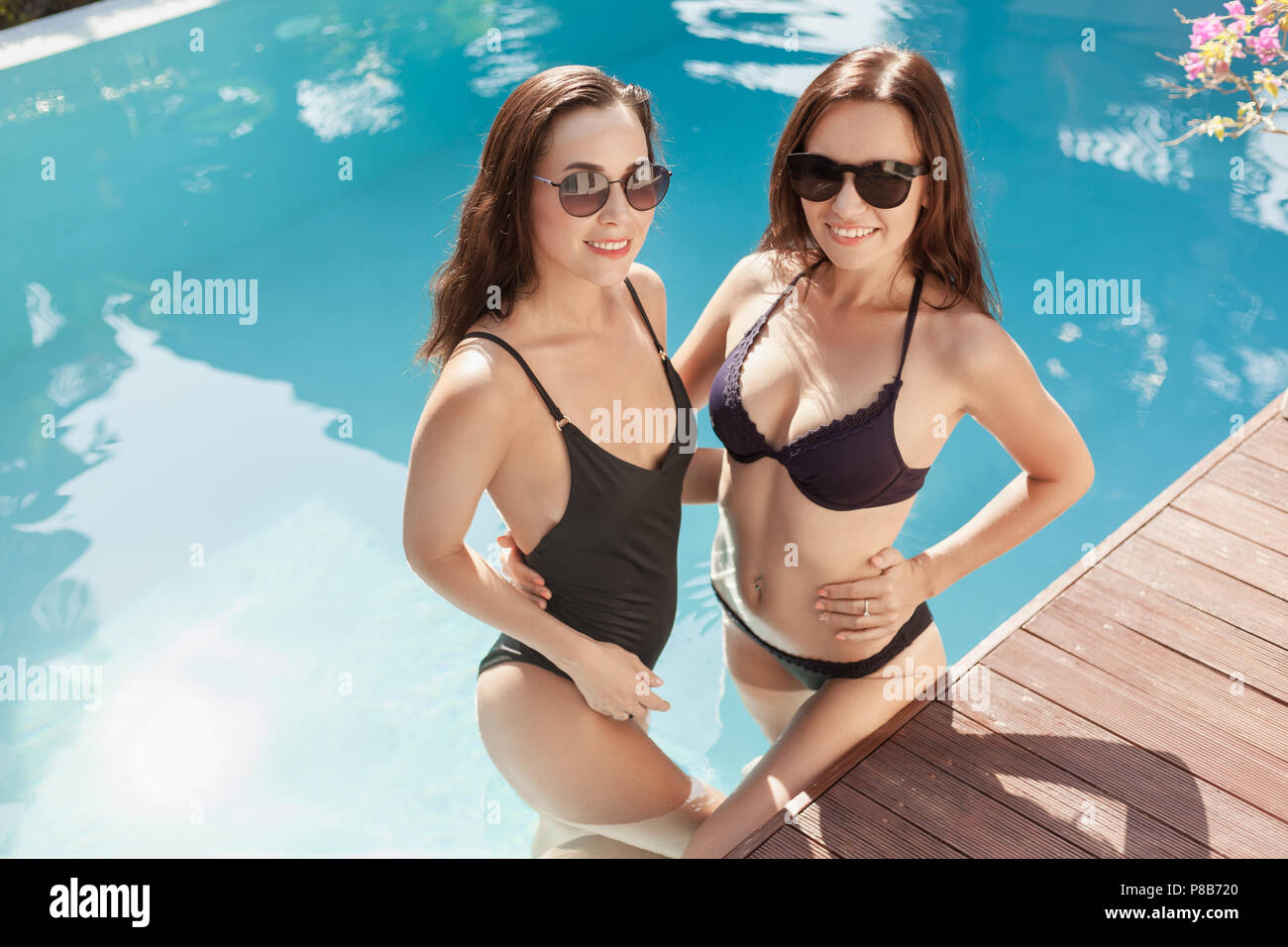 592df9b461cb Models In Bikini Imágenes De Stock & Models In Bikini Fotos De Stock ...
