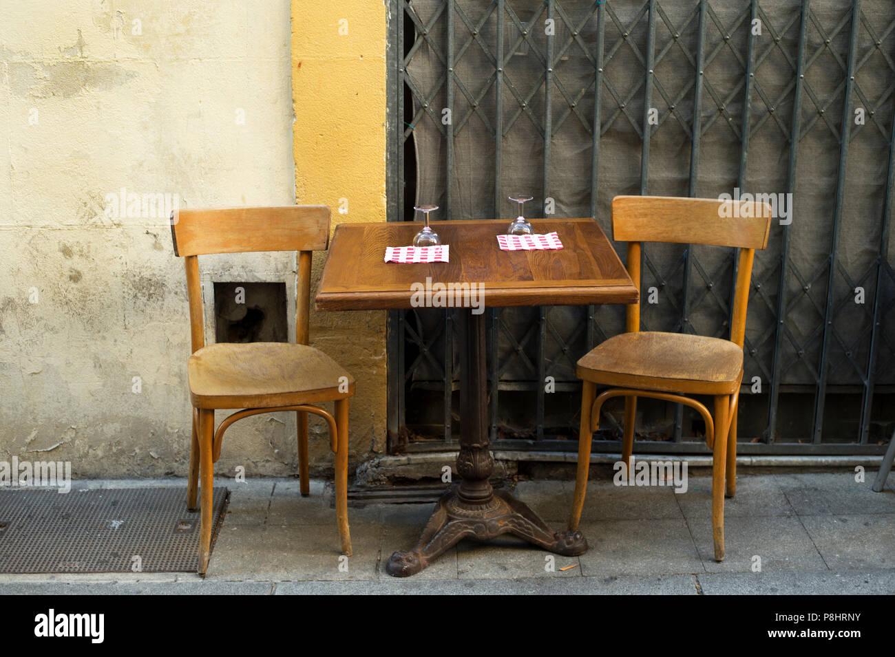 Arles Francia Juego De Mesa Para Dos Con Copas De Vino Y