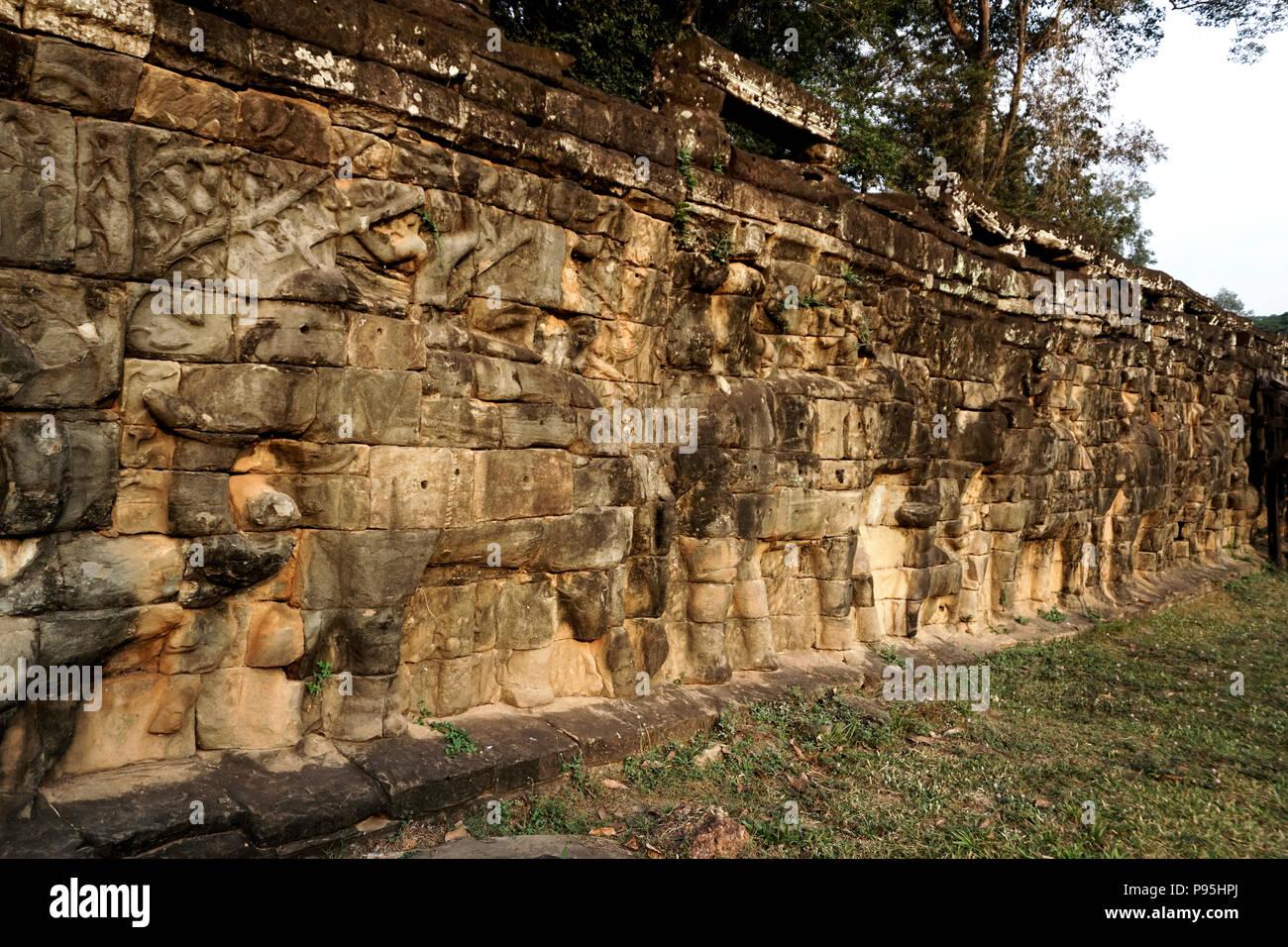 Terraza De Los Elefantes En El Complejo De Angkor Thom Una