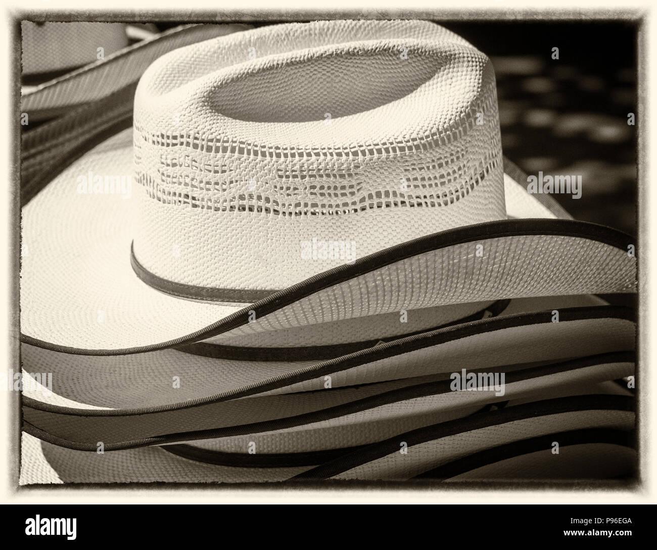 Cowboy Fashion Imágenes De Stock   Cowboy Fashion Fotos De Stock - Alamy 8c582e70b099