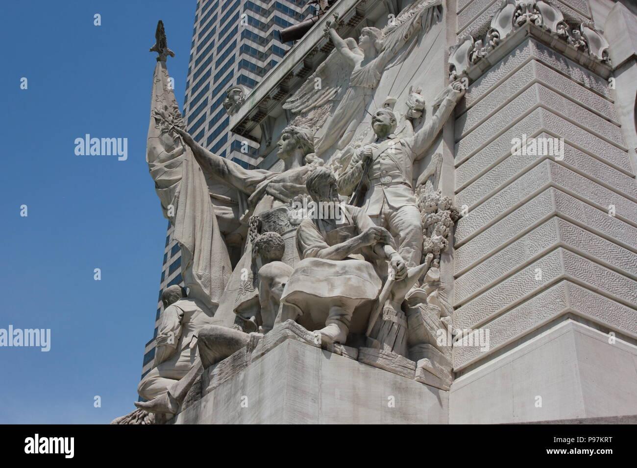 Representación de la paz en el Monumento a los soldados y marineros en Monument Circle en Indianápolis, Indiana. Imagen De Stock