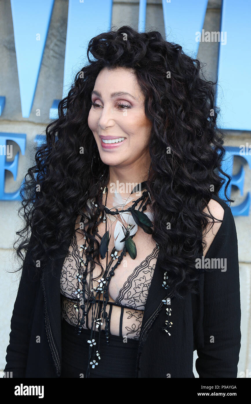 Londres, Reino Unido. 16 de julio de 2018. Cher, Mamma Mia! Aquí vamos de nuevo - estreno mundial, Eventim, Hammersmith Apollo, Londres, Reino Unido, 16 de julio de 2018, Foto de Richard Goldschmidt Crédito: Oro ricos/Alamy Live News Imagen De Stock