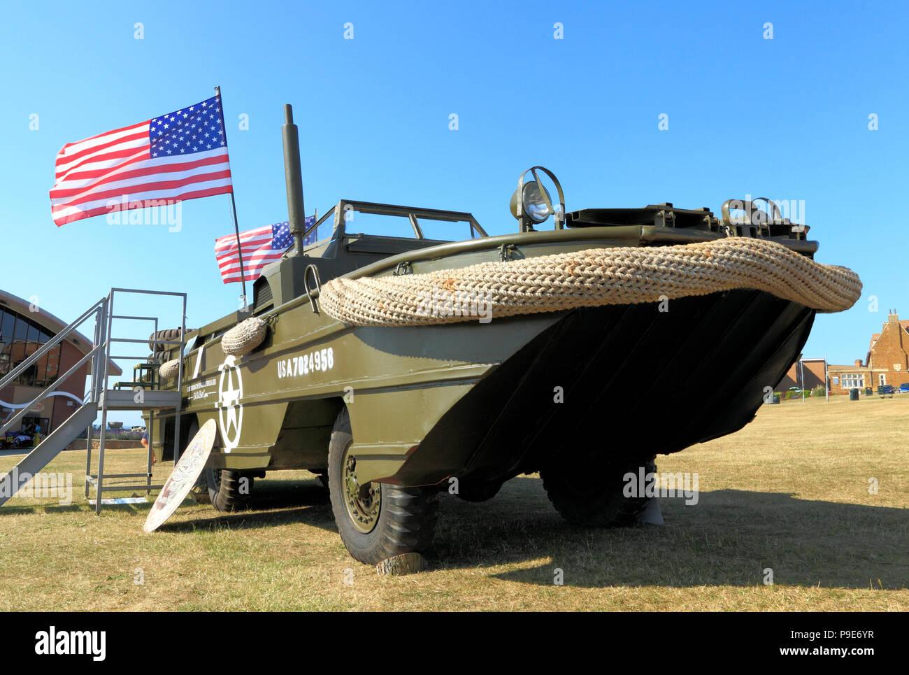 Segunda Guerra Mundial, Estados Unidos, DUKW anfibio militar ,, vehículo, WW2, estrellas y rayas, americana, Bandera Imagen De Stock