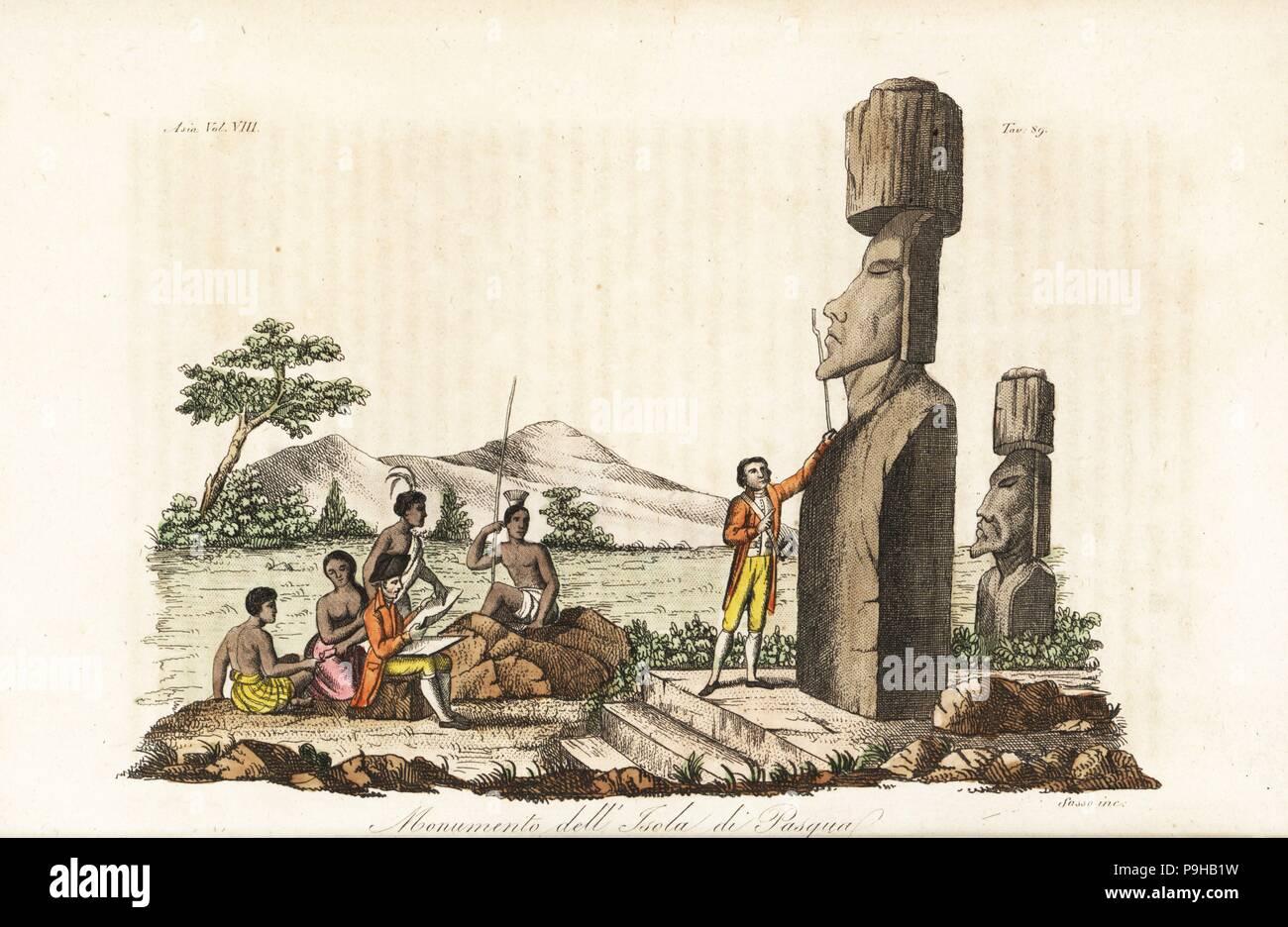 El Capitán James Cook y nativos examinando las estatuas moai en la Isla de Pascua o Rapa Nui. Copperplate Handcolored grabado por Sasso de Giulio Ferrario de trajes antiguos y modernos de todos los pueblos del mundo, Florencia, Italia, 1844. Foto de stock