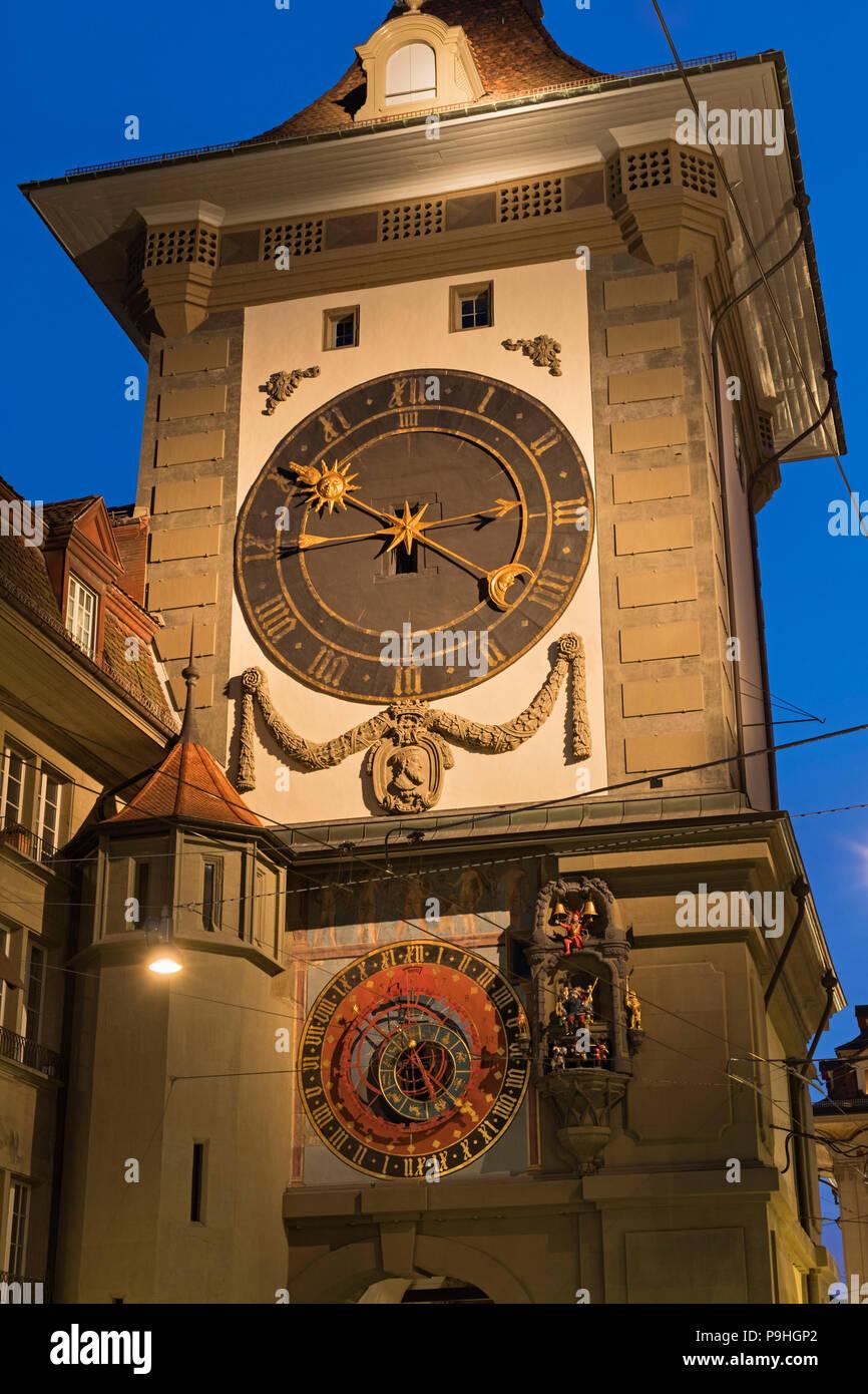 Foto De La Ciudad Vieja Del Zytglogge BernaSuiza Torre Reloj 3jL54AR