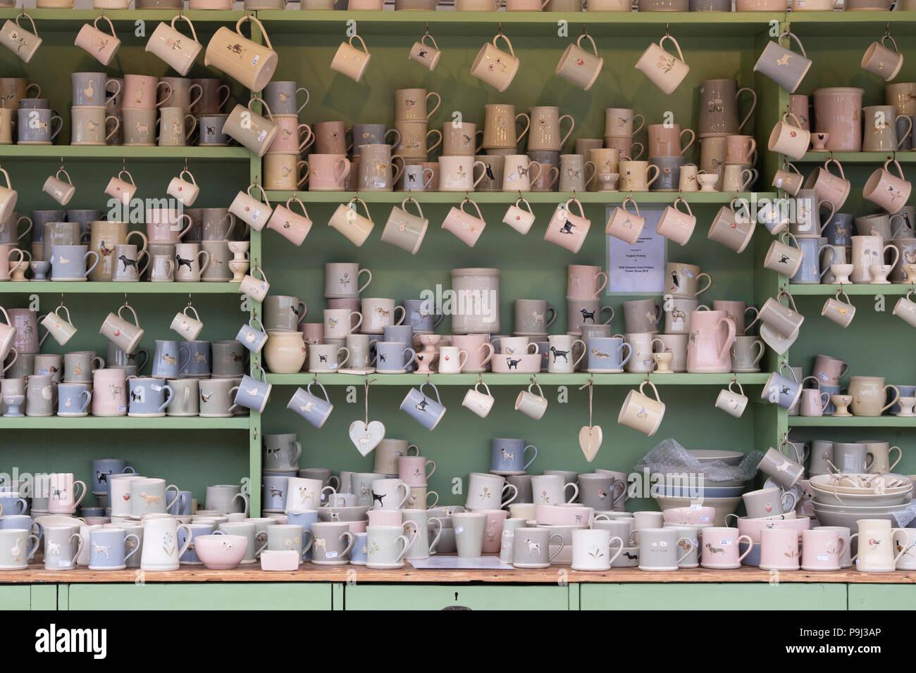Soporte de cerámica Hogben en Hampton Court Flower Show 2018. Londres. UK Foto de stock