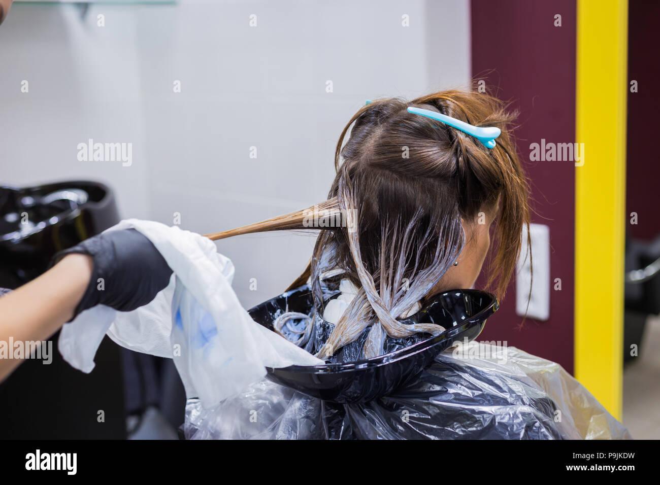 Hair Brush Arm Imágenes De Stock   Hair Brush Arm Fotos De Stock - Alamy b17dde1903a1