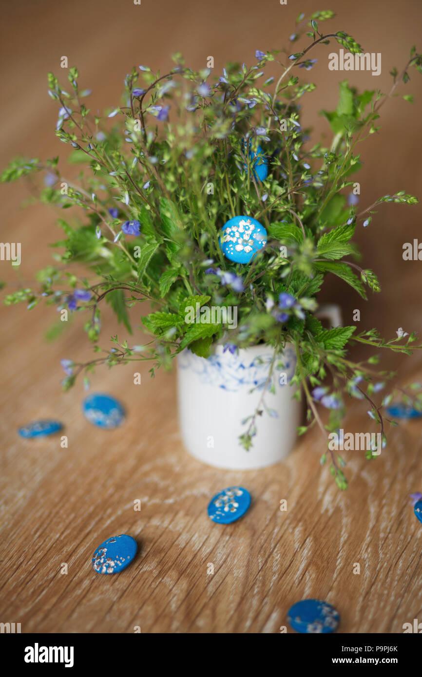 Azul con botones bordado Forget-me-not flores con un ramo de flores  silvestres 0831351616227