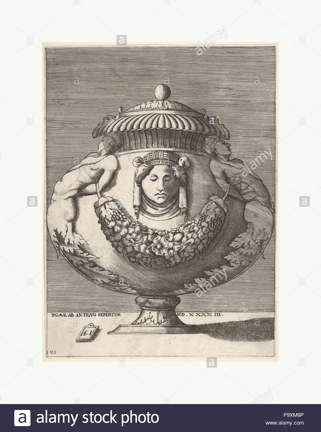 Antique Lidded Urn híbrido con esfinges macho y una hembra máscara ...