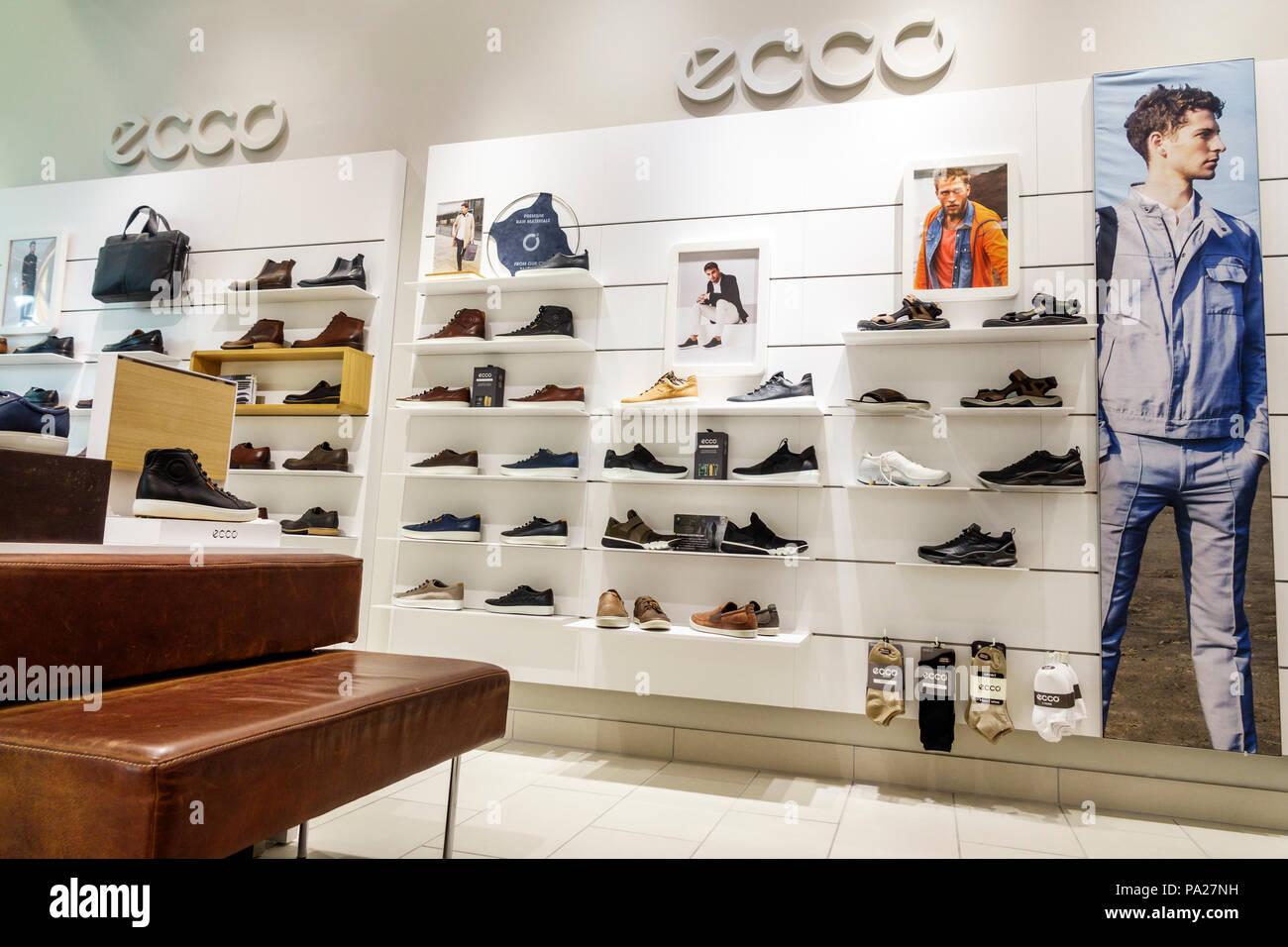 38ddb017e Orlando Florida Mall at Millenia comercial minorista danés ECCO zapato  calzado mostrar el interior de la tienda zapatos de hombre