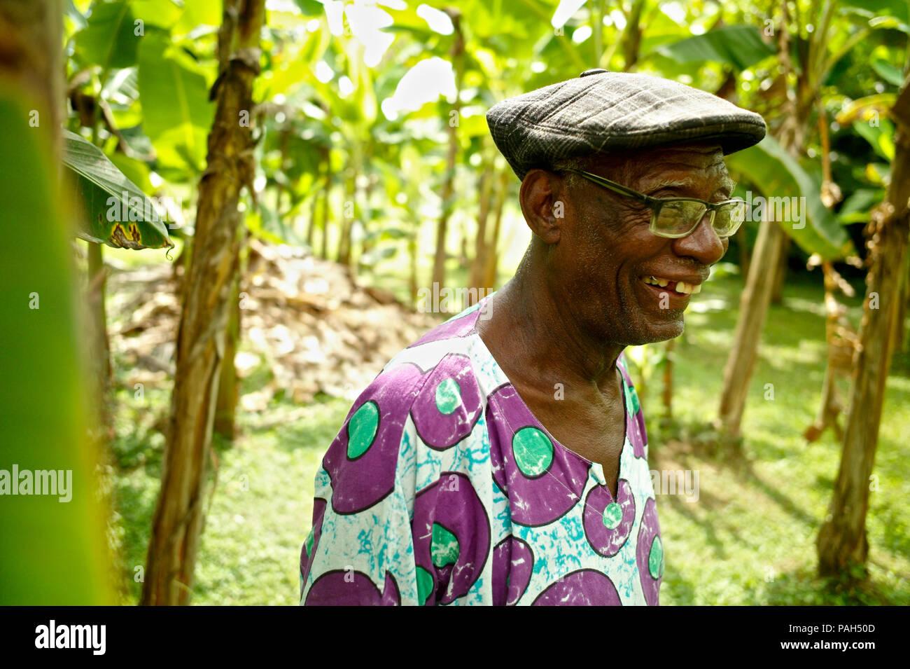 Rafael Cassiani, líder del grupo Sexteto Tabala, artesanos de la ancestral Afro-Columbian hijo. Sexteto Tabala es uno de los más representativos mu Foto de stock
