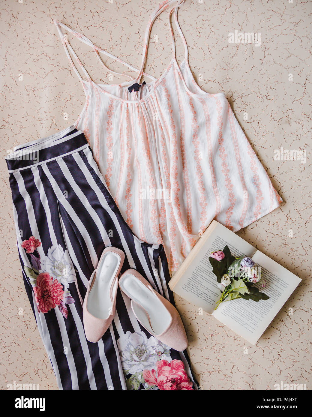 7d99feda5 Conjunto de ropa de moda