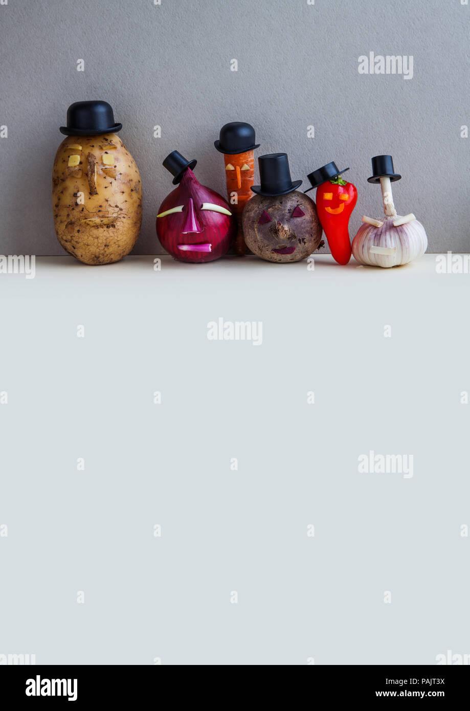 Mister patata cebolla ajo pimiento rojo remolacha zanahoria. Viejo Estilo  de moda personajes centrales 4787920c9b7