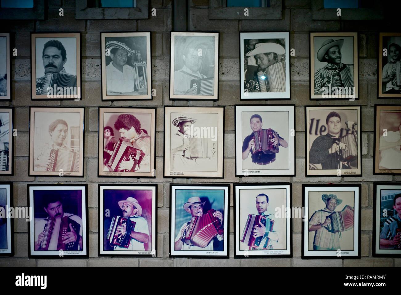 Fotografías de los mejores jugadores de vallenato y compositores en la fundación del Festival del Vallenato, Valledupar Foto de stock