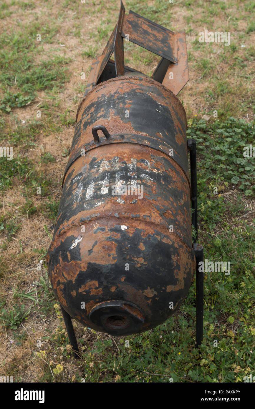 KRUMOVO, Plovdiv, Bulgaria - 29 de abril de 2017: la aviación bomba en el Museo de la aviación cerca de el aeropuerto de Plovdiv, Bulgaria Foto de stock