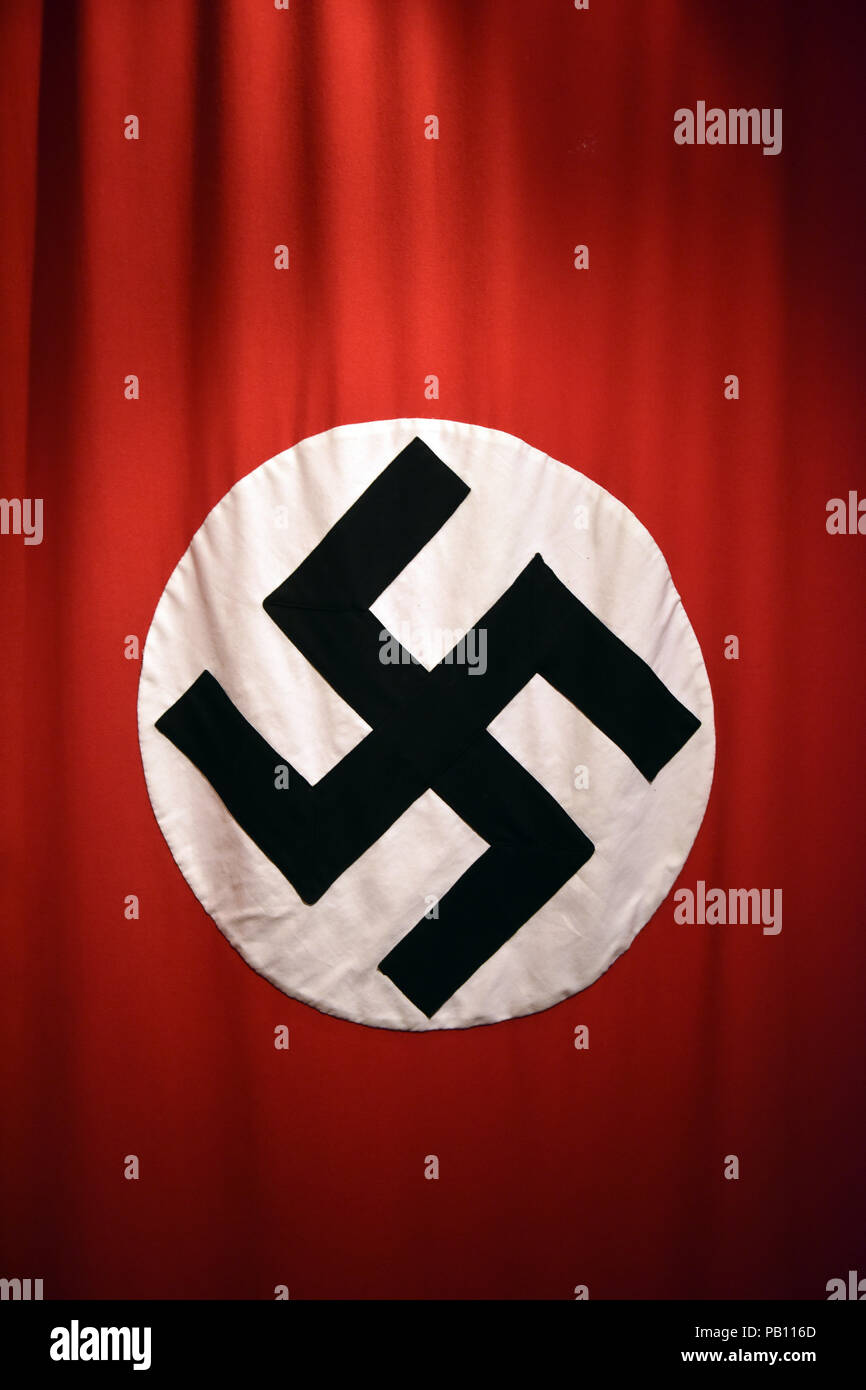 Tercer Reich alemán bandera nazi con la esvástica Foto de stock