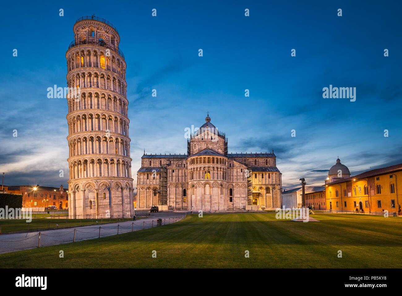 La catedral y la Torre Inclinada de Pisa, Italia Imagen De Stock