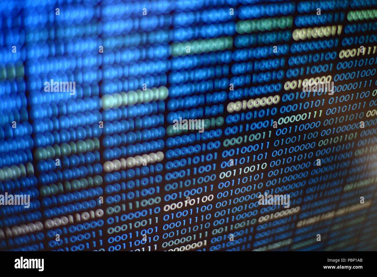 Código binario azul. bloques de datos binarios. Concepto Blockchain. fondo azul con equipo digital de código binario de bits de texto número uno y cero. Imagen De Stock