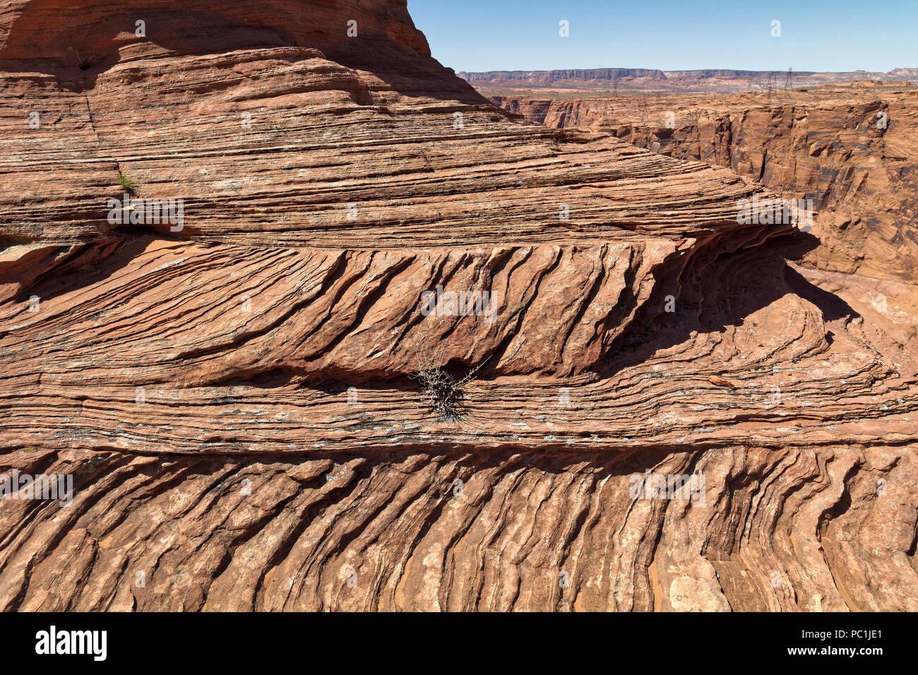 Ropa de cama cruz de piedra arenisca de Navajo en Horseshoe Bend, Glen Canyon National Recreation Area, Page, Arizona Imagen De Stock